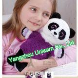 Fille pourprée de panda de peluche molle avec le jouet de peluche de proue