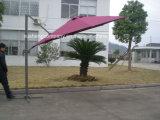 Parasole girante operato dell'ombrello del patio con la base