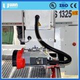 中心CNCのルーターを処理する第2彫版の合板の切断EPSに投石しなさい