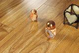 Plancher en bois machiné par chêne multi huilé normal balayé de couche