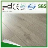suelo gris claro del laminado de la superficie el repujado de Techology del alemán de 8m m