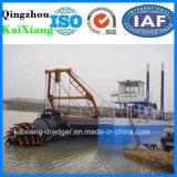 中国の小さい川の砂の吸引の浚渫船
