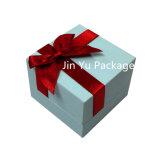 Caja de embalaje de la joyería blanca de la cartulina con la cinta de encargo