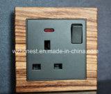 Plot commuté par 13A carré de panneau de cuir de bouton