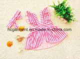 Bikini della striscia della ragazza del capretto, vestito di nuoto bello del bambino