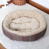 Le cercle mou de couvre-tapis de crabot de qualité s'est assemblé les bâtis de corail d'animal familier de velours