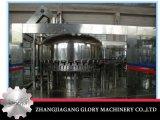 Máquina de engarrafamento líquida automática com linha de produção tampando