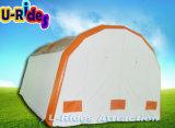 膨脹可能な床が付いているテント