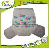 Il pannolino adulto di carta di Disposabe con l'OEM marca a caldo la produzione