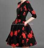 Платье китайского типа `s чернокожих женщин