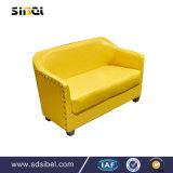 椅子、喫茶店の単一のソファーを食事する安いレストランの家具の金属フレームの木の喫茶店