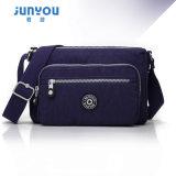 方法および大きい容量ナイロン袋の女性のハンドバッグ