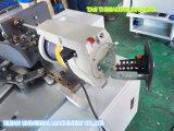 機械に通すフルオートマチックの衣類の札
