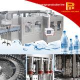 Equipamento de enchimento da água mineral do Aqua
