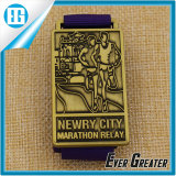 カスタムGolden Running Marathon Medal Newry都市