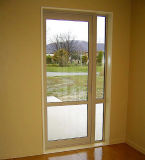 高品質の保証の緩和されたガラスの蝶番を付けられたアルミニウムドア