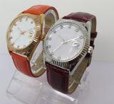 Dos homens baratos do relógio do presente do relógio de pulso da forma relógio de quartzo das mulheres