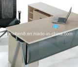 Qi 탁상용 대 무선 충전기 비용을 부과