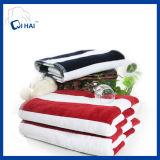 Toalha azul e branca do algodão da tira de banho (QHB99011)