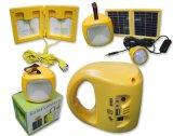 전구와 셀룰라 전화 충전기를 가진 태양 전지판 야영 손전등
