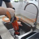 수채 통 또는 샤워가 고압 하수구 세탁기술자에 의하여 방해를 없앤다
