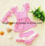 子供の女の子のストリップのビキニ、美しい赤ん坊の水着