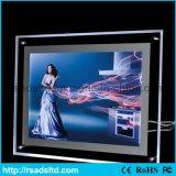 Intense luminosité DEL acrylique annonçant le cadre léger en cristal mince