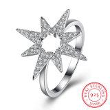 Disegno dei monili dell'anello di Zircon di figura del fiore dell'argento sterlina 925 per le donne