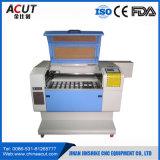 O mini laser do CNC grava e corta a máquina com Ce
