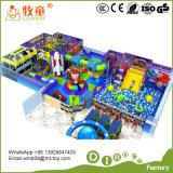 La cour de jeu molle d'intérieur de jouets électroniques badine le château