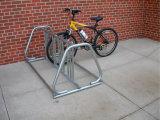 容易なインストールによって電流を通される屋外のバイクラック