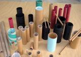 Tres tipos de pegamento del tubo del papel