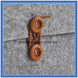 Un materiale d'avanguardia di disegno semplice del manicotto soddisfatto del computer portatile del feltro delle lane di 70%, fabbrica personalizzata fa il sacchetto della cartella del computer portatile con il Closing del tasto