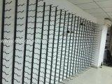 Подгонянный нержавеющий вися стеллаж для выставки товаров стены шкафа вина стены металла