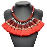 方法編みこみのふさ文のチョークバルブカラーネックレスの宝石類