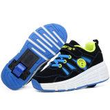 在庫のLEDの靴をつける子供のための2106のばねPU LEDのローラーの靴ローラーの靴のための晋江の製靴工場