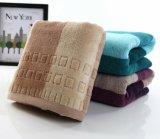 速く除去されたドビーの綿の浴室/ビーチタオルを乾燥しなさい