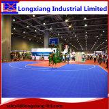 伸縮性があるプラスチック柔らかい走路の床のゴム製フロアーリングのパテントの安全で物質的なスポーツの床