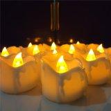 Candele senza fiamma di Tealights LED della base di plastica bianca del gocciolamento