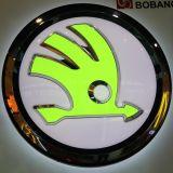 方法デザインLEDによってバックライトを当てられる車のロゴの印