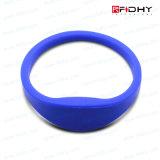 Modifica senza contatto pagata anticipatamente del cinturino del Wristband del silicone di insieme dei membri RFID di identificazione