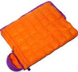 秋および冬の寝袋のエンベロプは90%の1000gで満ちた