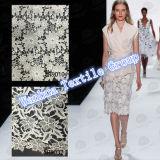 2016新しい綿はレースの服のためのかぎ針編みのレースを刺繍する