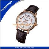 Reloj calificado caliente del OEM de la insignia del cuarzo ocasional de la manera