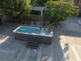 BALNEARIO de la piscina de la nadada de dos zonas