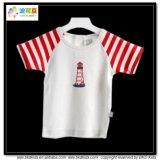 Il breve bambino del manicotto copre la maglietta unisex del bambino