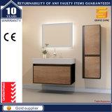 Gabinete branco da vaidade do banheiro do MDF da laca da melamina com espelho do diodo emissor de luz