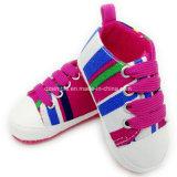Weiche Segeltuch-Kleinkind-und Kind-Schuhe für Baby-Mädchen
