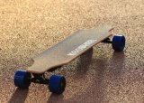 Скейтборд с верхней скоростью 40km/H