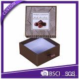 El fabricante anunció el rectángulo de empaquetado adornado rígido del chocolate vacío